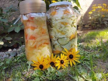 Mešana salata i šarena paprika