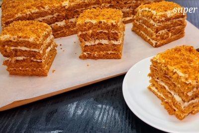 OD PROSTIH SASTOJAKA NAPRAVITE FANTASTIČNU TORTU Kora od meda i beli fil čine ovu tortu zanimljivom - baš laka priprema