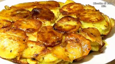 NAJBOLJI PRILOG SADA KAO ZASEBNO JELO Pečeni krompir iz tiganja - recept koji je postao popularan za kratko vreme