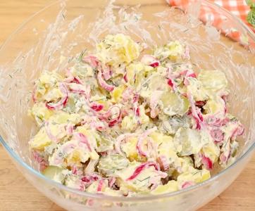 Recept za krompir salatu sa kiselim krastavcima