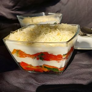 Salata od pečenih paprika recept